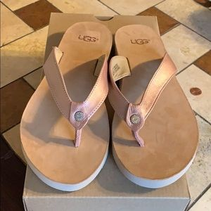 Ugg flip flops! New with tag